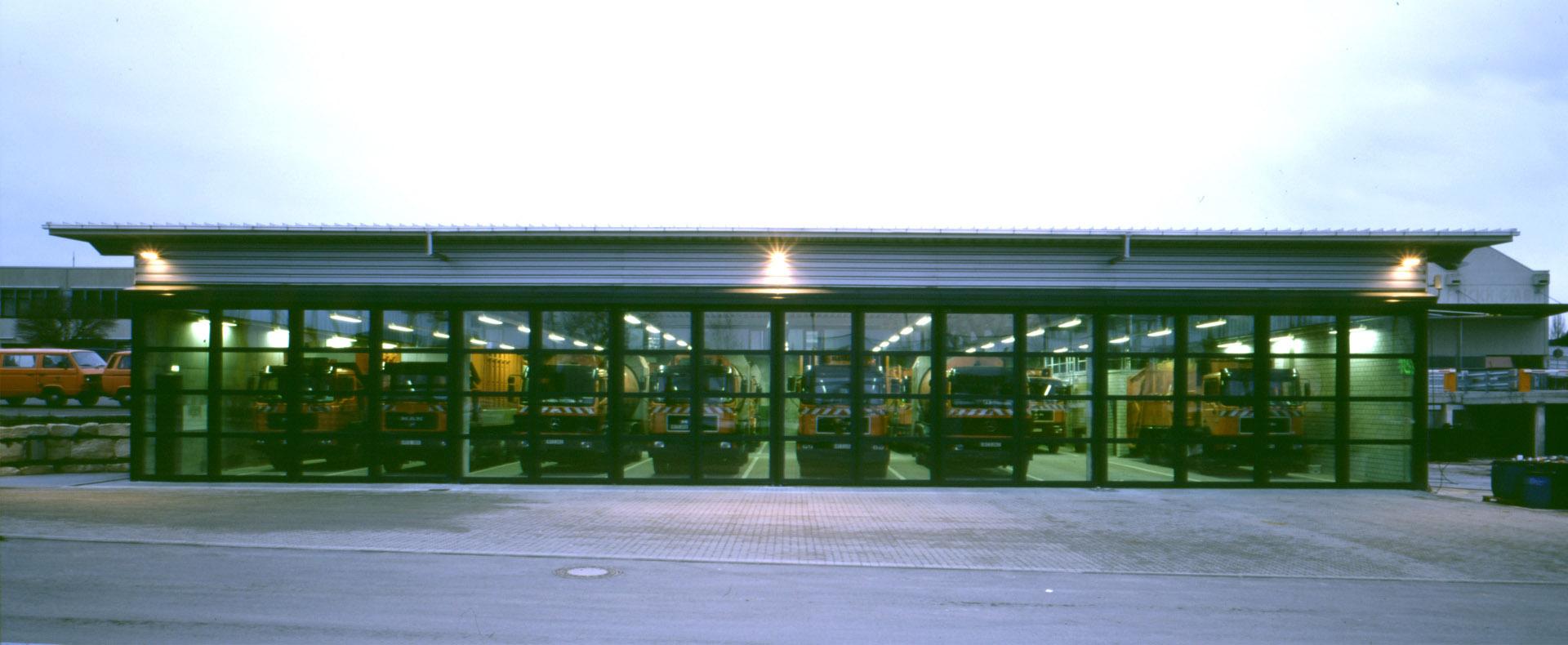"""Betriebshof """"Am Heilbrunnen"""". Umbau und Erweiterung eines bestehenden Industrie-Areals zum neuen Betriebshof der Stadt Reutlingen"""