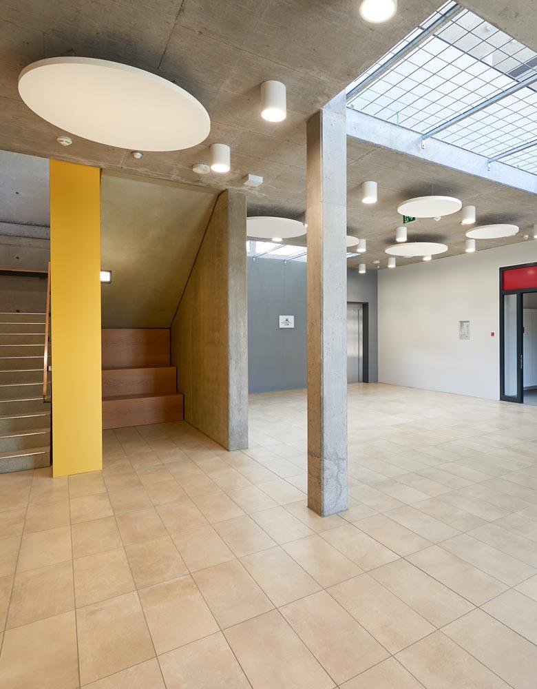 Achalmschule Eningen, Komplettsanierung Innen + Außen. Umsetzung pädagogisches Konzept. Klassenzimmer mit Gruppenräume