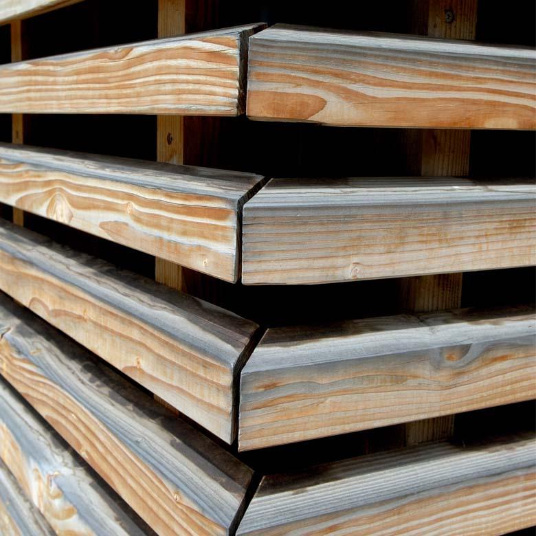 Errichten eines Einfamilienwohnhauses in Holzständerbauweise in Hanglage