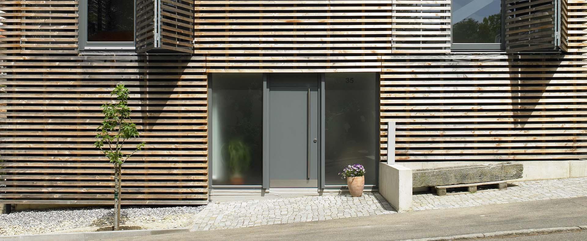 Wohnhaus, Pfullingen, 2005, Errichten eines Einfamilienwohnhauses in Holzständerbauweise in Hanglage